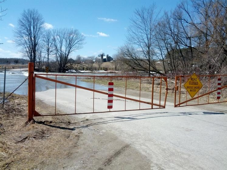 Canada Ontario Photos :: St. Jacobs :: Three Bridges Bridge closed due to flooding of Conestogo River in St. Jacobs