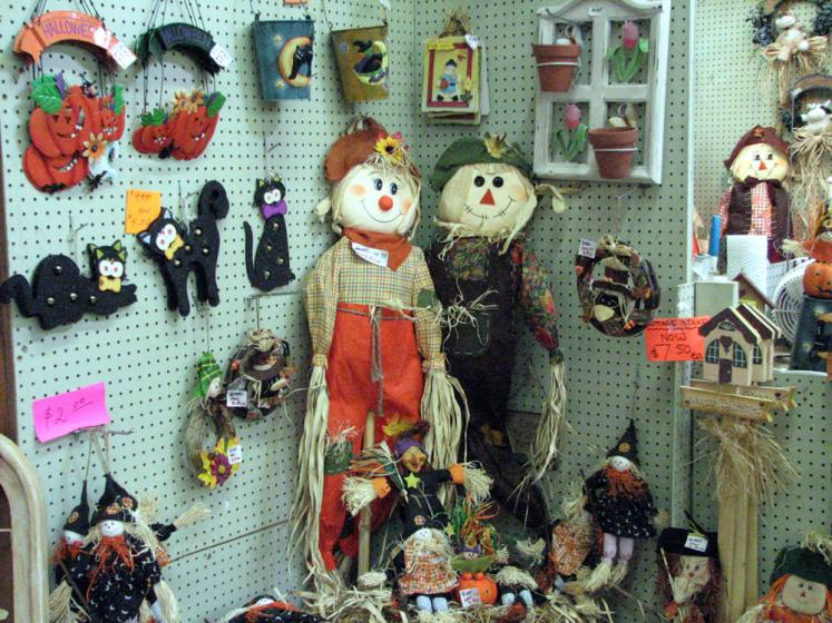 Canada Ontario Photos :: St. Jacobs :: St. Jacobs. Farmemrs Market - Decorations for Halloween
