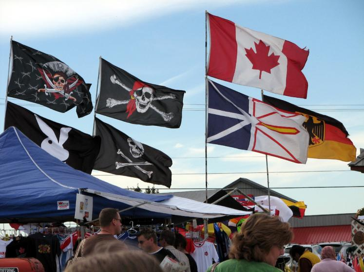 Canada Ontario Photos :: St. Jacobs :: St. Jacobs market - flags for sale