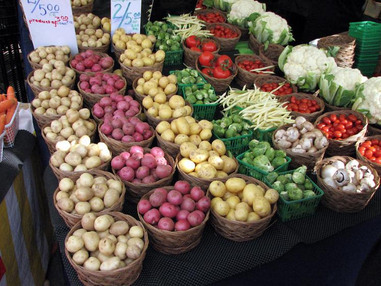 Canada Ontario Photos :: St. Jacobs :: St. Jacobs market - potatoes