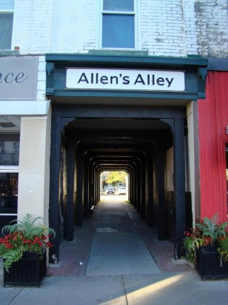 Canada Ontario Photos :: Stratford :: Allen´s Alley downtown Statford