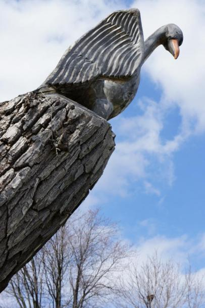 Canada Ontario Photos :: Stratford :: Hand Carved Bird by Ron 2006 along Avon River Stratford