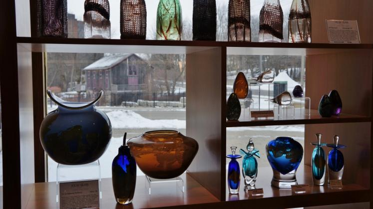 Canada Ontario Photos :: Waterloo :: Inside Clay and Glass Gallery Waterloo