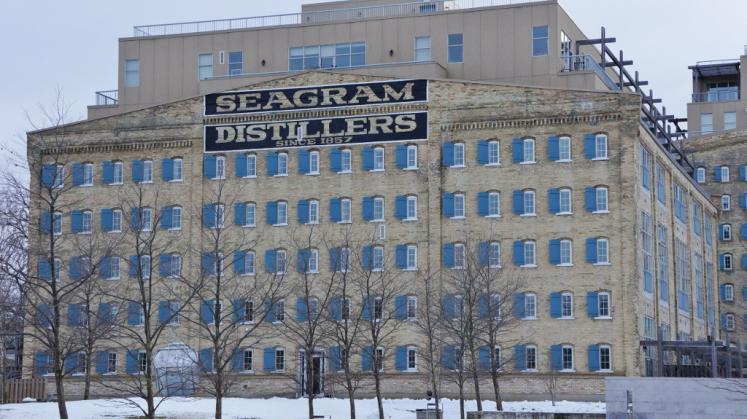 Canada Ontario Photos :: Waterloo :: Seagram´s Lofts formally Seagrams Distrillery located in Waterloo